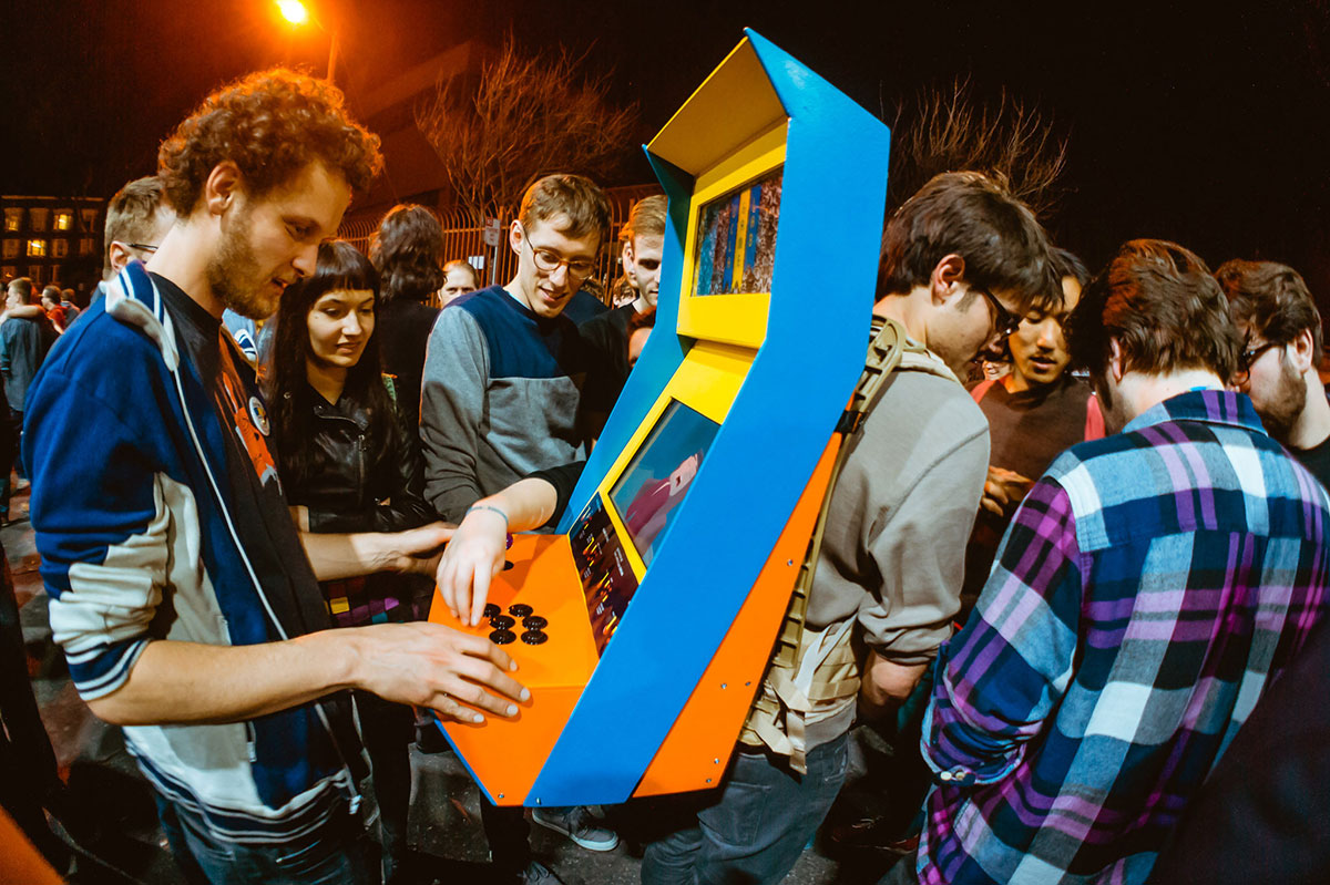 Arcade Backpack, UCLA Games Lab (Photo by Robin Baumgarten). Videogames: Design/Play/Disrupt, at the V&A from 8 September 2018 – 24 February 2019 vam.ac.uk/videogames