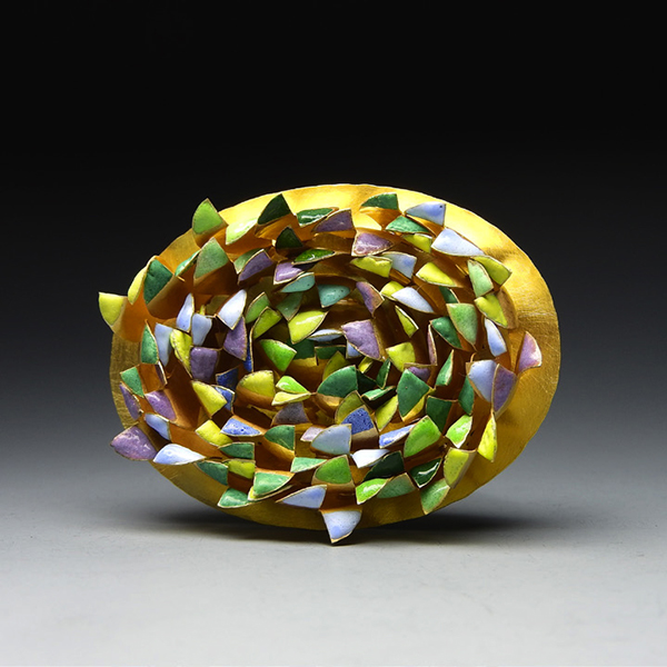 Jaqueline Ryan: Primavera Brooch, 2018, 18ct gold and vitreous enamel