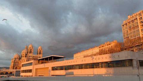 The facade of the Musee Regards de Provence with La Major cathedral in the background, Photo: Aleksander Rabczuk