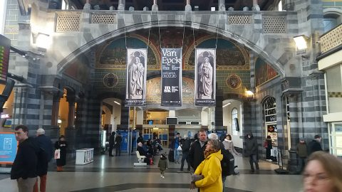 Banners announcing Van Eyck 2020 at Gent-Sint-Pieters station