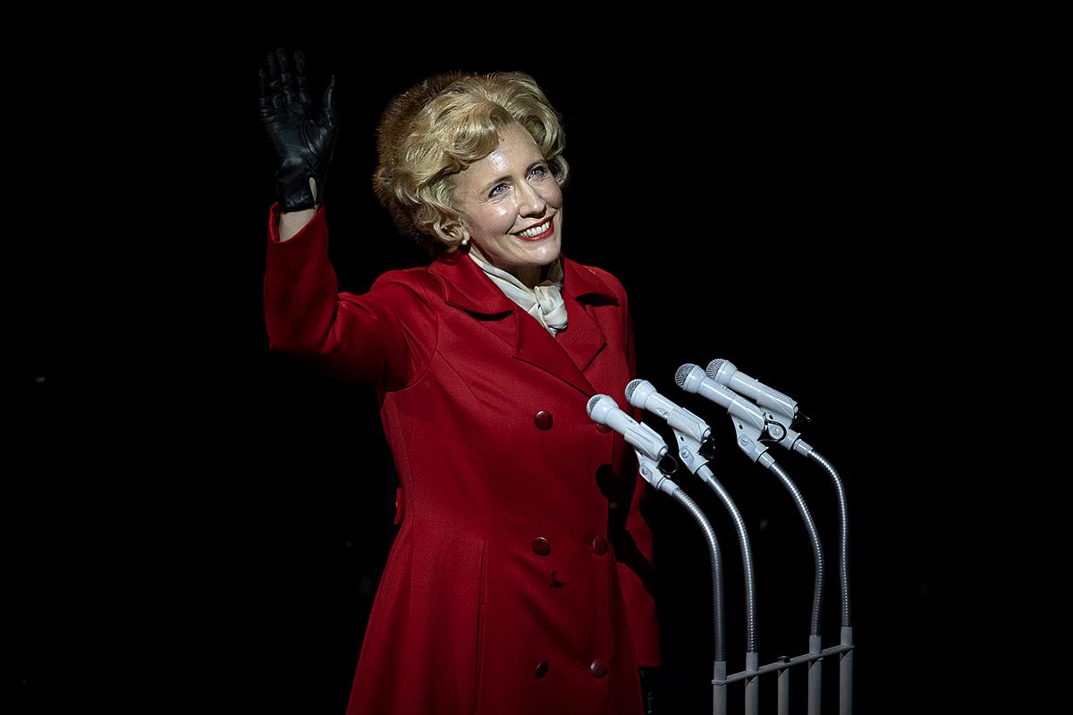 Julia Sporsen (Pat Nixon) in Nixon in China. Sc ottish Opera 2020. Credit James Glossop. (2)