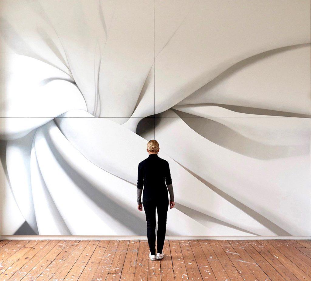 Alison Watt stands in front of 'Volvere'