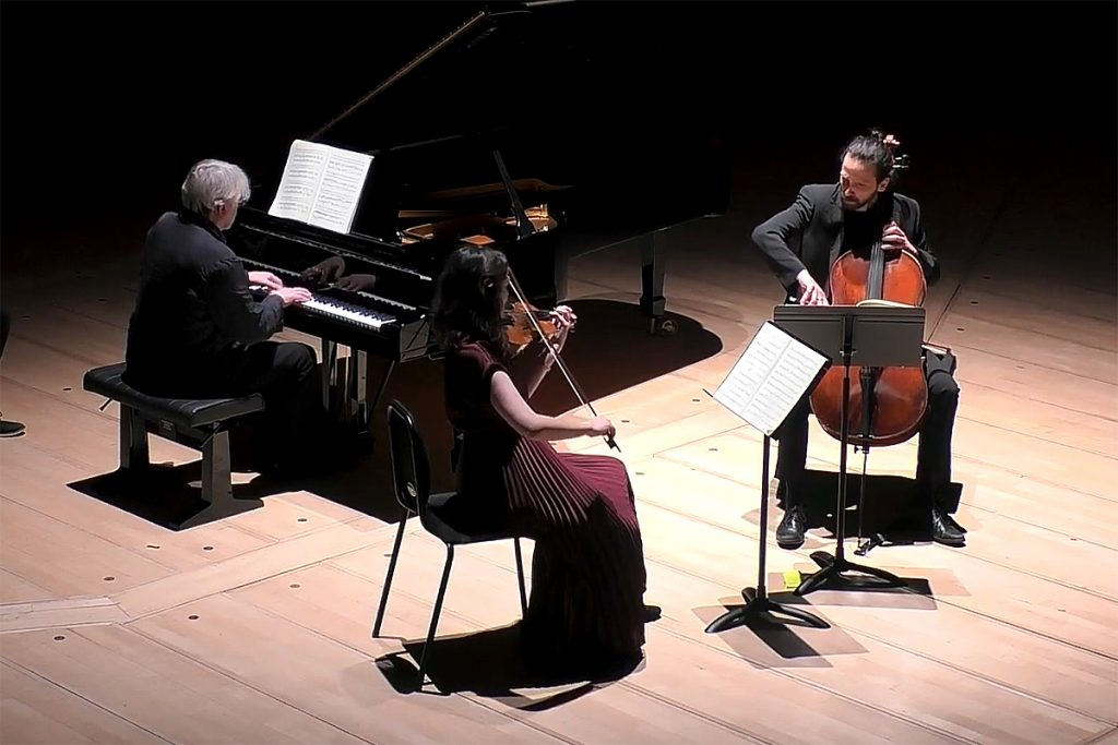 Graeme McNaught piano, Abigail Young violin, Balazc Renczes cello