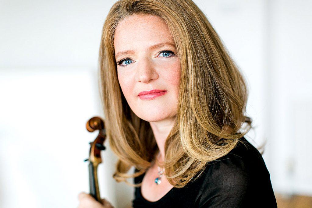 Violinist Rachel Podger, photo: Theresa Pewal