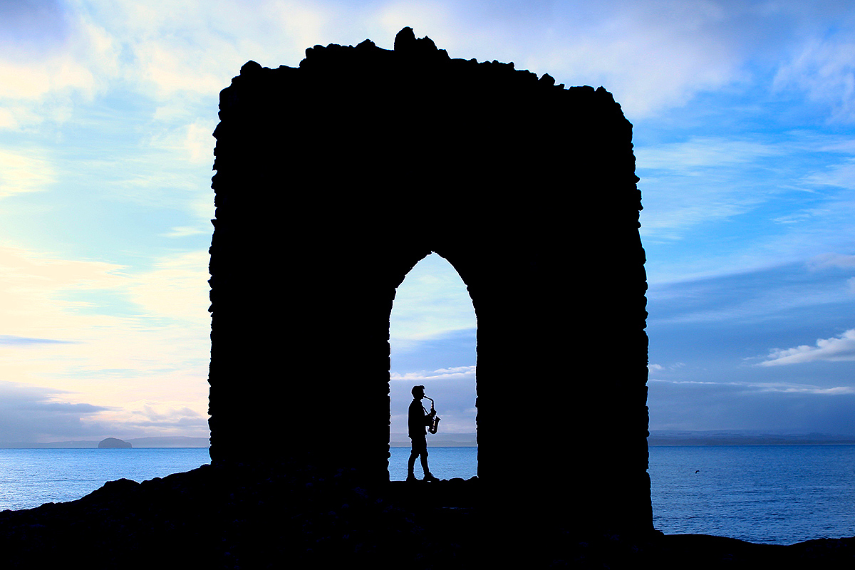 Fife-based musician and East Neuk Festival Arts Activist David Behrens at Lady's Tower near Elie in Scotland © East Neuk Festival